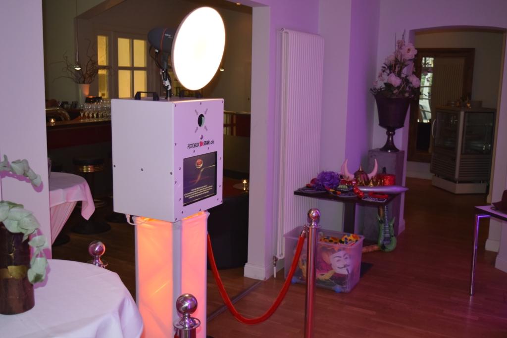 Fotobox mit integriertem Sofortbild-Drucker